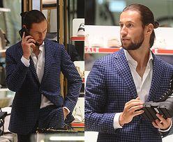 Elegancki Grzegorz Krychowiak buszuje w sklepie z butami (ZDJĘCIA)
