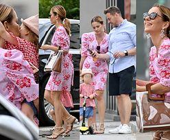Szczęśliwa Paulina Sykut-Jeżyna w oryginalnych szpilkach na spacerze z rodziną (ZDJĘCIA)