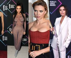 Szczupła Mila Kunis, ponętna Scarlett Johansson i elegancka Victoria Beckham na gali People's Choice Awards (ZDJĘCIA)