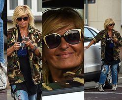 Niepokorna Ewa Kasprzyk w butach z węża parkuje na ulicy (ZDJĘCIA)