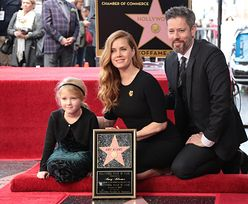 Amy Adams z mężem i córką odsłania swoją gwiazdę w Hollywood (ZDJĘCIA)