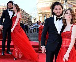 """Gala brytyjskich nagród teatralnych: koszmarne stylizacje, """"majtki Bridget Jones"""" i... Jon Snow (ZDJĘCIA)"""