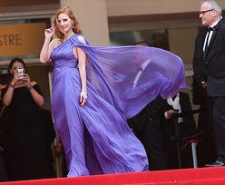 Tak gwiazdy walczyły z wiatrem na czerwonym dywanie w Cannes: Chastain, Huntington-Whiteley, Stone... (ZDJĘCIA)
