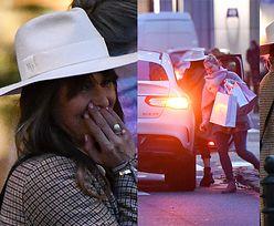 Anna Lewandowska i Zosia Ślotała robią luksusowe zakupy i wsiadają do zaparkowanego na środku ulicy samochodu (ZDJĘCIA)