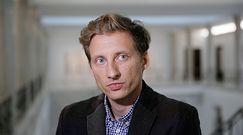 Fundusz Odbudowy. Franciszek Sterczewski zagłosował razem z PiS. Reakcja Barbary Nowackiej