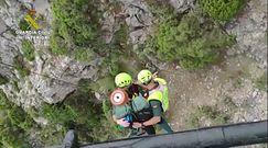 Spadł z 15-metrowego klifu. Uratował go helikopter