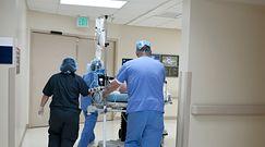 Ciężkie przypadki koronawirusa na oddziale. Profesor Flisiak komentuje