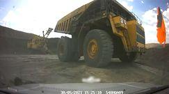 220 tonowa ciężarówka wjechała w samochód. Nagranie z groźnego wypadku w Kazachstanie