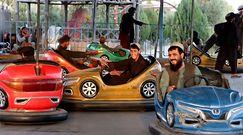 Talibowie w wesołym miasteczku. Kobiety nie mają tam wstępu