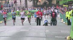 Ukończyła maraton na kolanach