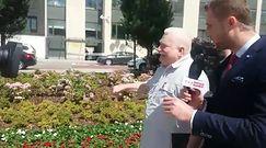Awantura przed Sejmem. Wałęsa nazwał dziennikarza głupkiem