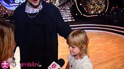 Popek śpiewa z 8-letnią córką. Ociepla wizerunek?