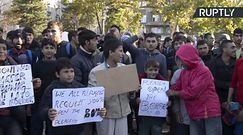 Marsz migrantów przeciw Orbanowi. Idą w stronę Węgier