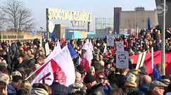 """Gdańsk: manifestacja KOD pod hasłem """"Polska murem za Wałęsą"""""""