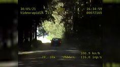 Pościg policji za pijanym kierowcą w lesie. Nagranie z radiowozu