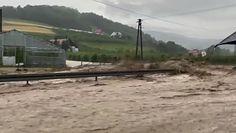Powódź w Małopolsce. Ulica zamieniła się w rwącą rzekę