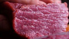 Czerwone mięso postarza. Naukowcy: w nadmiarze niszczy zdrowie i urodę