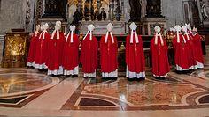"""Polscy biskupi w Watykanie. """"Dostaję szamotania pępka"""""""