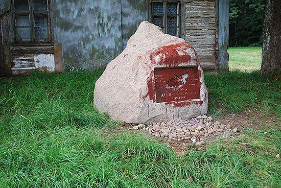 Zniszczono kolejny litewski pomnik