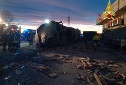 Wypadek na torach koło Mediolanu. Wykoleił się pociąg, są ofiary śmiertelne