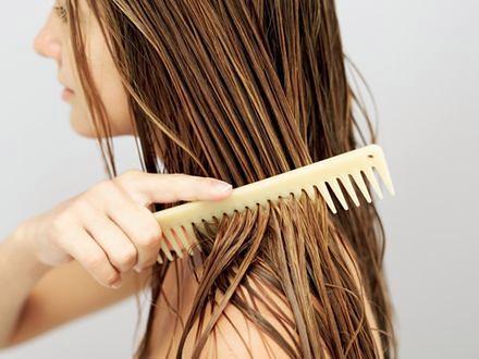 Emolienty – ratunek dla zniszczonych włosów