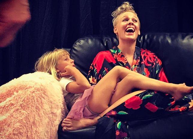 Pink pokazuje, jak wygląda jej macierzyństwo. Instagram ją pokochał