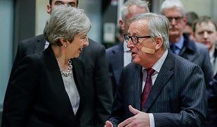 Brexit. Rozmowy premier Wielkiej Brytanii Theresy May (L) i przewodniczącego KE Jean-Claudea Junckera (P)