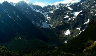W Tatrach załamanie pogody. Spadł pierwszy śnieg