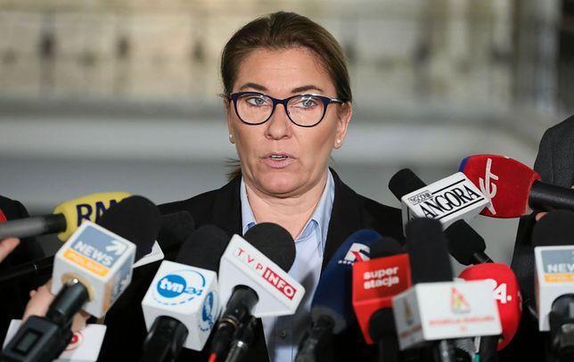 """Politycy PiS posługują się w wypowiedziach  """"przekazem dnia""""."""