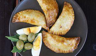 Empanadillas con pisto y atun, czyli pierożki z warzywami i tuńczykiem