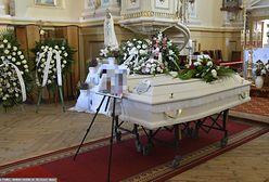 Matka z córką zginęły w Narwi. Szloch na pogrzebie koło Pułtuska
