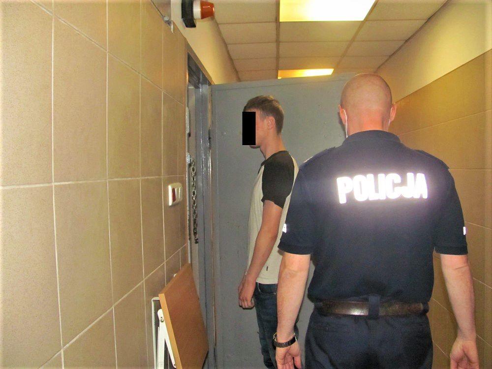 Warszawa. Zatrzymany złodziej rowerów. Wyznał policji, że kradł, bo chciał trafić za kraty, był zmęczony kłótniami z matką