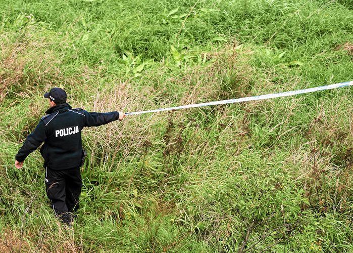Pod Warszawą odnaleziono ciało 71-latki. Było zakopane