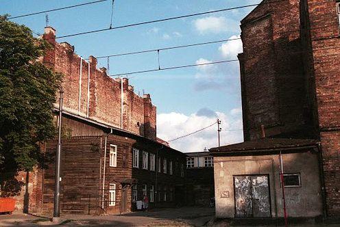 Warszawa. Cudem ocalony. Drewniak na Pradze będzie remontowany