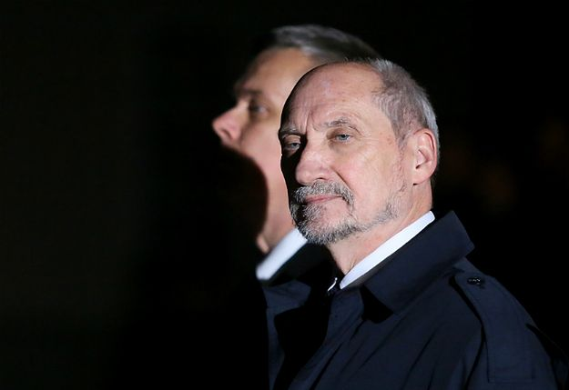 Antoni Macierewicz wprowadza zmiany. Zamierza powołać nowych szefów SKW i SWW