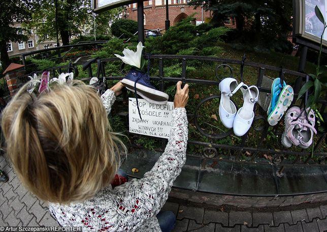 Ciche ugody polskiego kościoła z ofiarami pedofilii. 10 tys. zł i zobowiązanie do milczenia