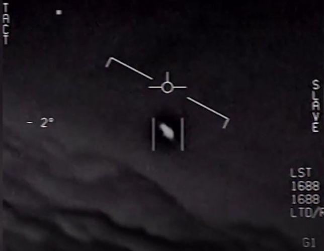UFO. Armia USA potwierdza autentyczność nagrań [WIDEO]