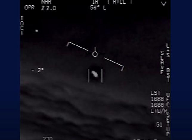 Nagranie UFO wykonane przez pilotów Marynarki Wojennej USA