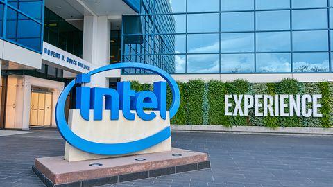 Intel wciąż zarabia krocie, na przekór problemom z dostawami i sukcesom rywala