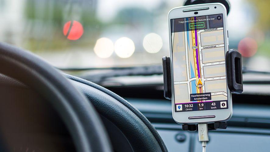 Darmowe nawigacje na smartfona z pewnością ułatwią podróż