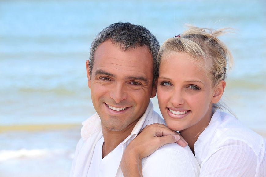 Białe zęby możliwe w każdym wieku