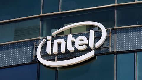 Intel po raz kolejny uderza toporem w dyski SSD. QLC to nie koniec okrawania pamięci