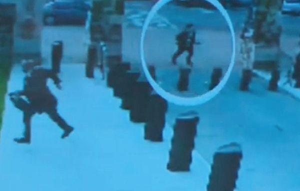 Kadra z nagrania ataku strzelca w Ottawie