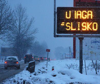 Ślisko jest na drogach w całej Polsce