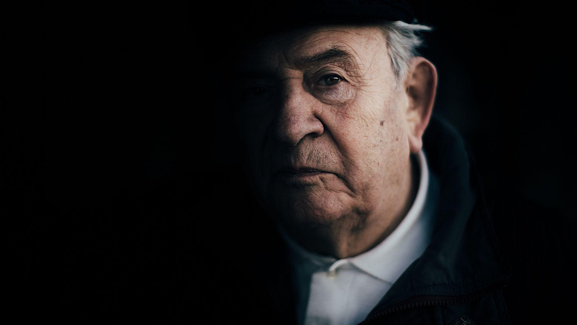 """Bogdan Bartnikowski - Ocalony z Auschwitz, autor książki """"Dzieciństwo w pasiakach"""""""