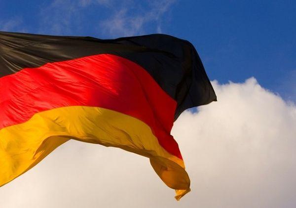 Polska może żądać od Niemców 850 mld dolarów odszkodowania