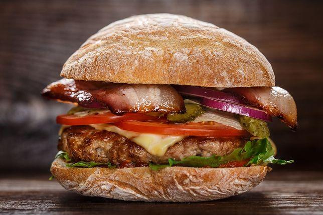 Burger na bogato według przepisu Mateusza Gesslera