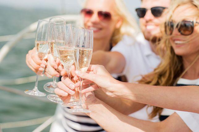 Szampanem możemy nazwać wyłącznie wino pochodzące z francuskiego regionu Champagne