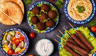 Kotlety z ciecierzycy są popularne na całym Bliskim Wschodzie