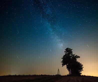 Przegapiłeś perseidy? Zobacz, jak wyglądała noc spadających meteorów